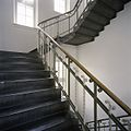 Interieur, detail van trappenhuis - 's-Gravenhage - 20387422 - RCE.jpg