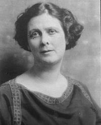 Isadora Duncan by Arnold Genthe.jpg