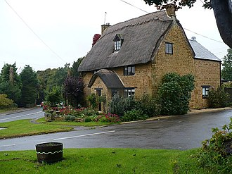 Drayton, Cherwell - Ivy Cottage, a thatched 16th century Hornton Stone house in Drayton
