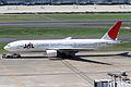 JAL B777-200(JA010D) (5054625338).jpg