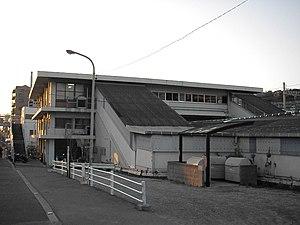Shioya Station (Hyōgo) - Station building