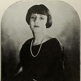 Jean Acker 1 - Nov 1922 Photoplay.jpg