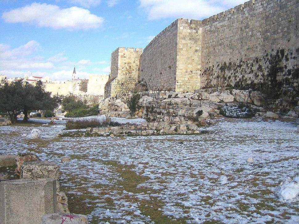 Jerusalem-snow-070102