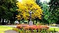 Jesienny widok pomnika Łuczniczki w parku im Jana Kochanowskiego. Bydgoszcz Polska. - panoramio.jpg