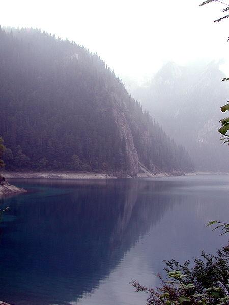 Ficheiro:Jiuzhaigou Valley 2002-09-12 02.jpg