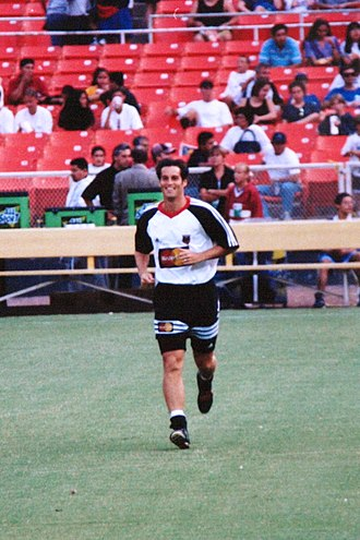 John Harkes - Harkes playing for D.C. United in 1997