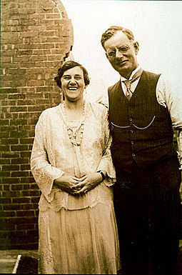 John Curtin and his wife Elsie (nee Needham) John and Elsie Curtin.jpg