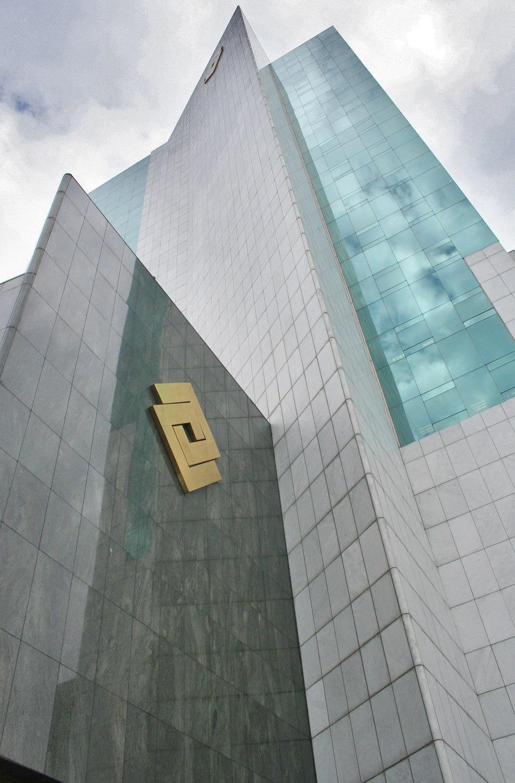 Jose Serrano modificado Cali edificio Banco de Occidente