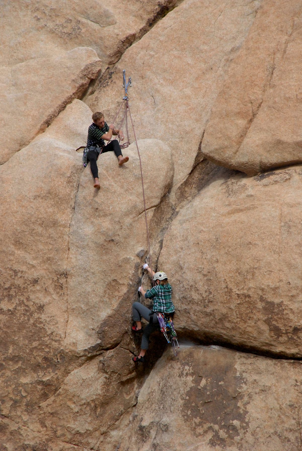 The Do s and Don ts of Taking a Date Climbing