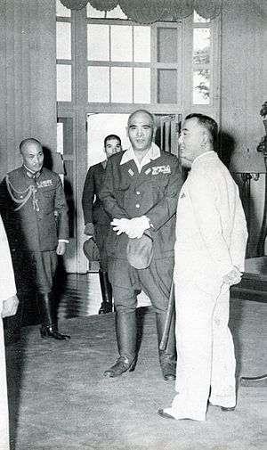 Jorge B. Vargas - Vargas (in white) with Japanese General Homma, 1943