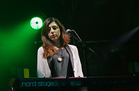 Julia Holter und Band (Haldern Pop 2013) IMGP2436 smial wp.jpg