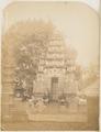 KITLV 10024 - Isidore van Kinsbergen - Gate of a Hindu temple at Boeleleng - 1865.tif