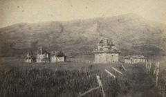 KITLV 106694 - Isidore van Kinsbergen - Temples on the Dijeng plateau in Wonosobo - 1864-07-1864-09.tif