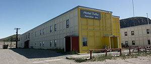 Kangerlussuaq - Hotel Tuttu / Reindeer Inn installed in the former American Army barracks