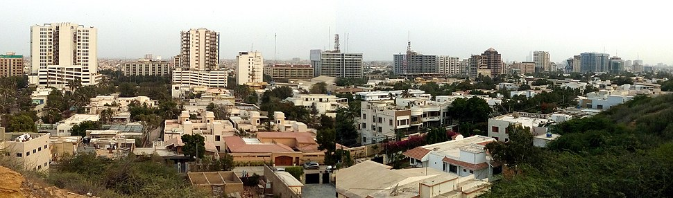 KarachiSkyline-View from Hill Park-Panorama