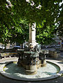 Karl-Borromäus-Brunnen 4.jpg
