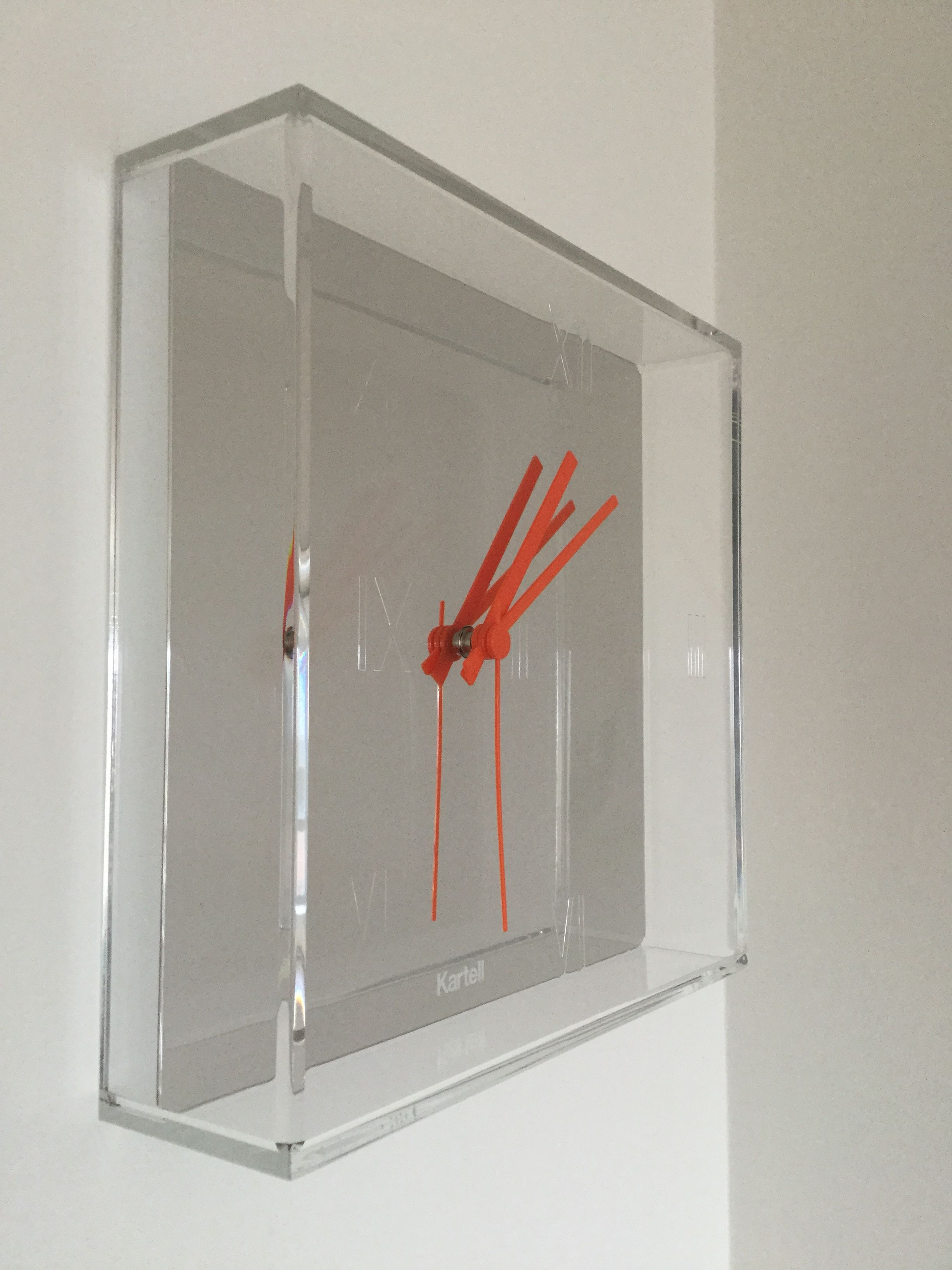 File kartell tic tac wall clock by philippe starck jpg for Philippe starck work