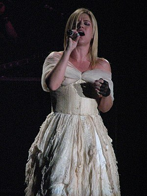 Behind These Hazel Eyes - Clarkson performing the song wearing the wedding dress featured in its music video