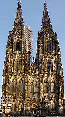 هندسة معمارية..... الطرز المعمارية 220px-Koelner_Dom