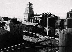 Oil shale in Estonia - Kohtla-Järve shale oil extraction plant (Esimene Eesti Põlevkivitööstus, 1937. Photo by Carl Sarap)