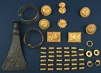 Thracian treasure - Image: Kralevo Treasure Overview