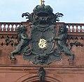 Kurfürstliches Wappen am Mannheimer Schloss - panoramio.jpg
