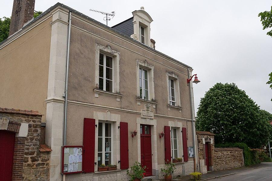 Town hall of La Chapelle-Craonnaise.