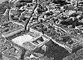 La place et le square du Capitole de Toulouse en 1935 (au fond à droite la basilique Saint-Sernin).jpg