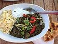 Lam i spinat med ris, raita og naan (8753180931).jpg