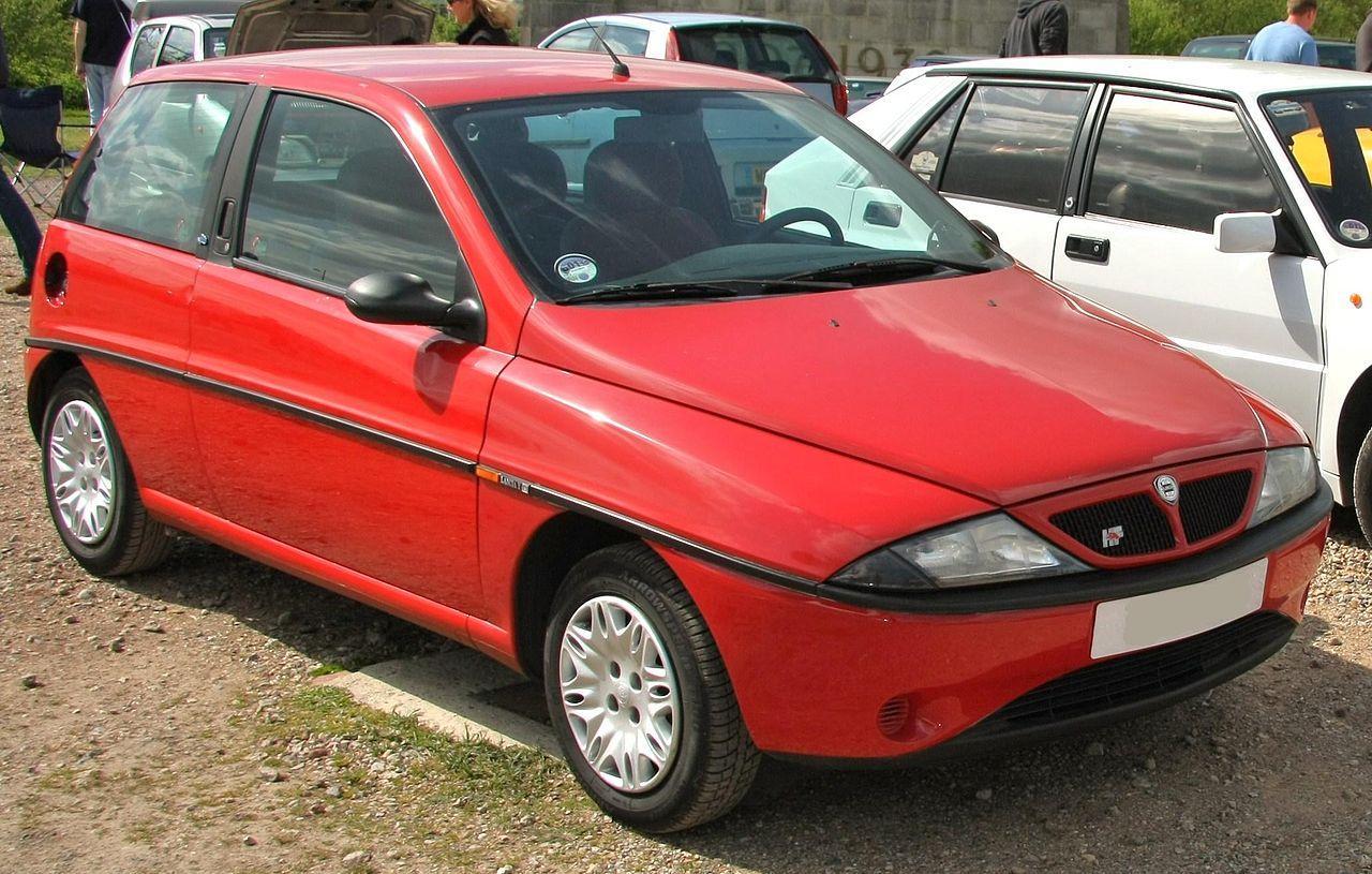 https://upload.wikimedia.org/wikipedia/commons/thumb/7/78/Lancia_Y_Elefantino_Blu.jpg/1280px-Lancia_Y_Elefantino_Blu.jpg