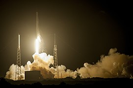 Launch of Falcon 9 carrying CRS-4 Dragon (16763199166).jpg