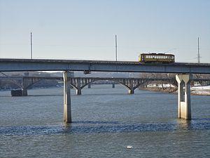 Metro Streetcar - Streetcar crossing the Arkansas River