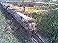 Locomotiva de comboio que passava pelo viaduto do vale do Córrego Guaraú, sentido Boa Vista - Variante Boa Vista-Guaianã km 204 em Salto - panoramio.jpg