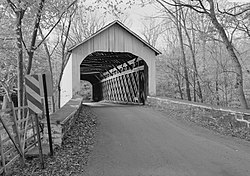 Loux Covered Bridge, Carversville-Wisner Road across Cabin Run, Pipersville (Bucks County, Pennsylvania).jpg