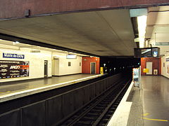 Mairie de Clichy - Octobre 2012 - Quais direction Paris.jpg