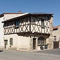 Maison PA00091889 Beauregard-l'Évêque.jpg