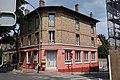 Maison croisement rue Marcel-Monge rue de la République Suresnes.jpg