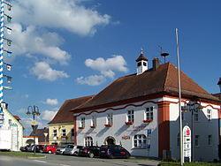 Mallersdorf-Pfaffenberg-Marktplatz-1.jpg