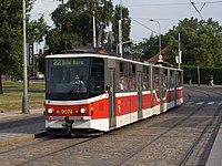 Malostranská, Tatra KT8D5R.N2P na lince 22.jpg