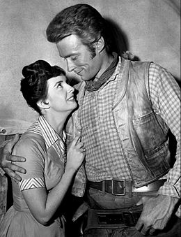 Eastwood sul set di Rawhide nel 1959.