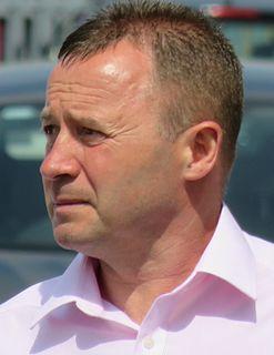 Mark Ward (footballer, born 1962) English football midfielder, born 1962