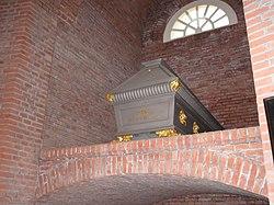 Mausoleum Sarg Anna.jpg