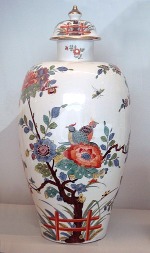 "Kakiemon - Meissen hard porcelain vase, 1735. Indianische Blume (""Flowers of the Indies"") in imitation of the Kakiemon style of Arita porcelain, Japan."