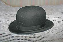 Bombín (sombrero). De Wikipedia ... 8e473ddbe2a
