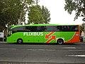 Mercedes-Benz Tourismo (vue latérale) - Flixbus (Agde, 2017).jpg