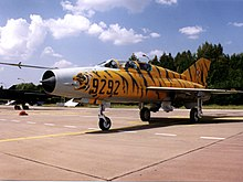 MiG-21.UM.9292.Radom.AirShow.2002.jpg