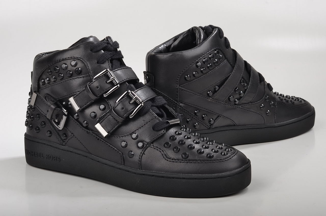 file michael kors bryn sneaker high top sneaker mit nieten 43f4brfs2l kalbsleder schwarz 2. Black Bedroom Furniture Sets. Home Design Ideas