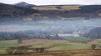 English: Mist over Aberfeldy A band of mist al...