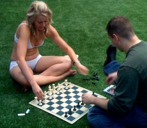 Abbywinters.com - Abby Winters girl plays chess with a fan at AVN 2008