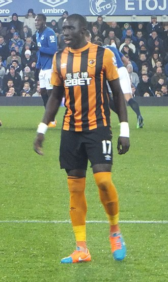 Mohamed Diamé - Diame playing for Hull City in 2014 against Everton